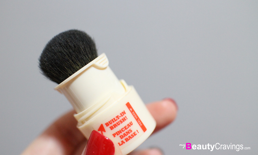 Step 3 - Pull out the in-built BRUSH (Benefit POREfessional Agent Zero Shine)