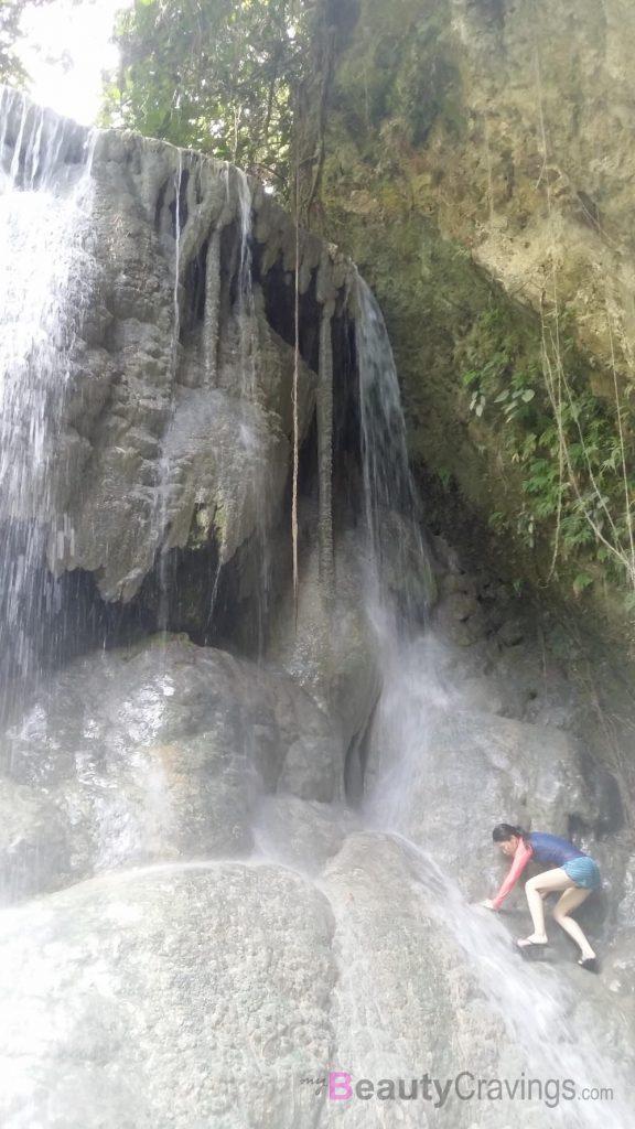 Aquinid Falls