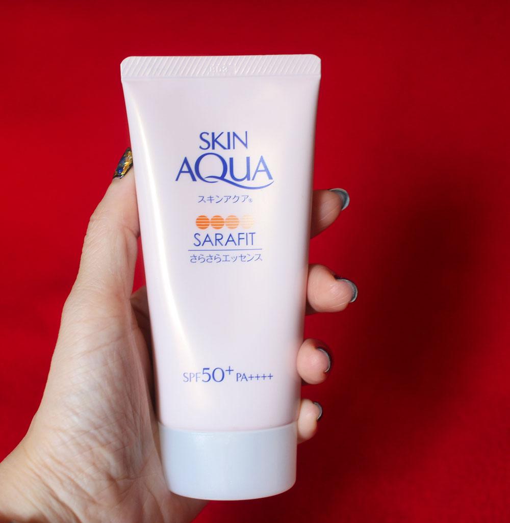 Skin Aqua UV Essence
