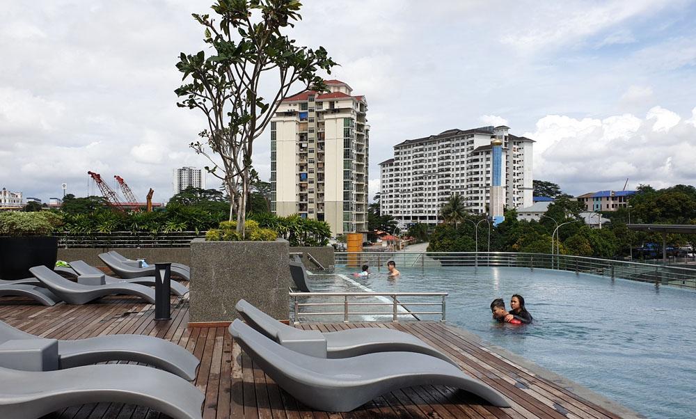 Capri Fraser Johor Swimming Pool