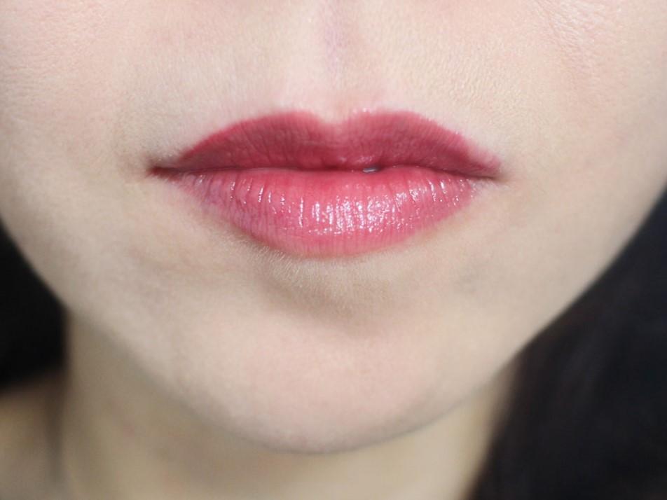 Liht Organics Lip Gloss Swatch