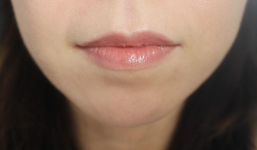 Stimmung Lip Tint Swatch MLBB 3