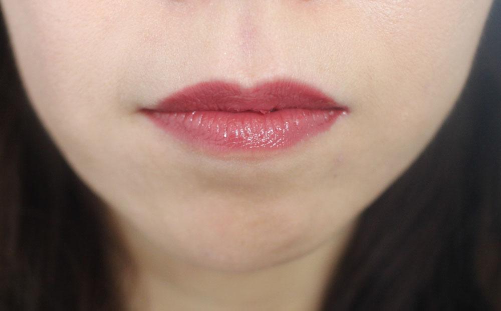 Stimmung Lip Tint Swatch MLBB 4