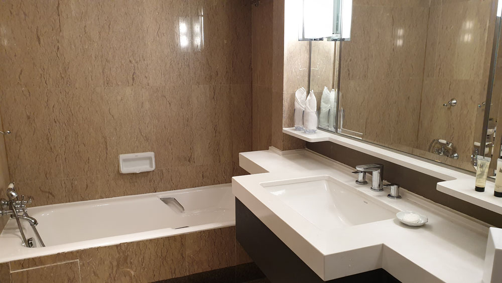 Orchard Hotel Toilet
